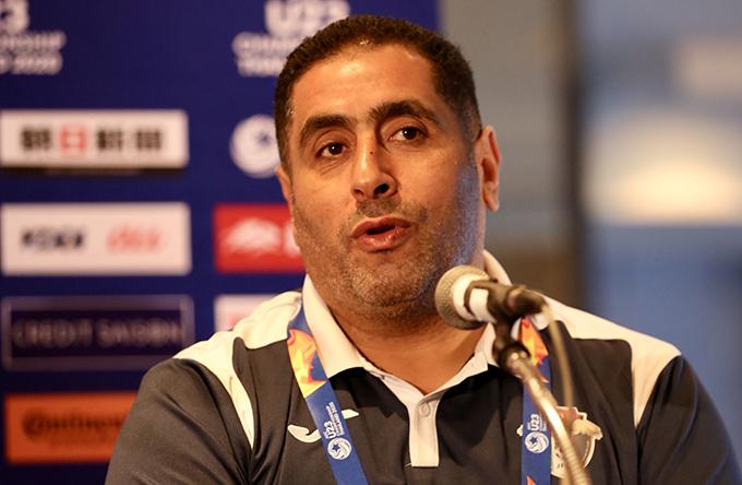 HLV Ahmed Abu Ismail của U23 Jordan. Ảnh: Đức Đồng.