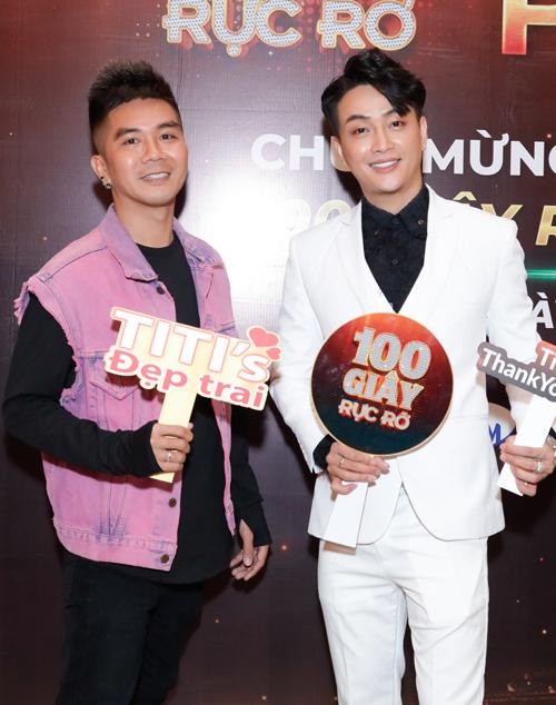 Nhạc sĩ Khánh Đơn mừng đàn em đăng quang mùa thứ hai chương trình 100 giây rực rỡ.