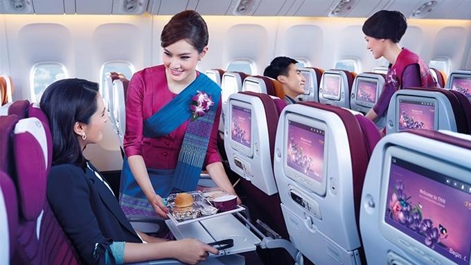 Air New Zealandtập trung khai thác các chuyến bay đường dài bằng máy bay Boeing 787-9 Dreamliner - một trong những máy bay đời mới nhất của Boeing -tạo sự thoải mái cho hành khách. Nó là hãng hàng không có tuyến bay quốc tế dài nhất ở châu Úc, giữa Auckland và Chicago (Mỹ), được đánh giá là hãng hàng không phục vụ hành khách đi hạng phổ thông tốt nhất.