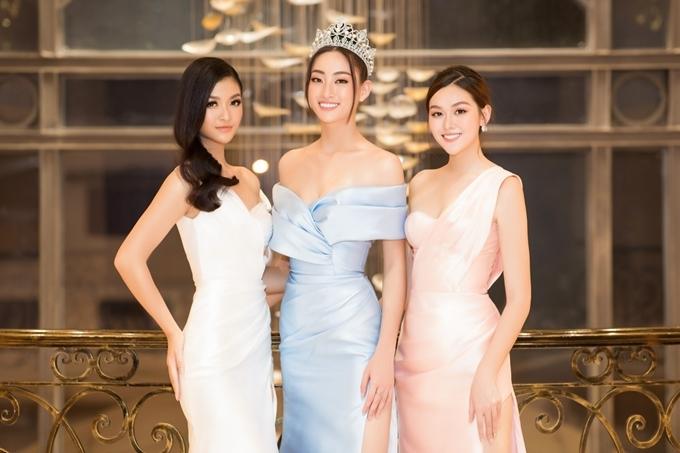 Top 3 Hoa hậu Thế giới Việt Nam 2019: á hậu Kiều Loan, hoa hậu Thùy Linh, á hậu Tường San hội ngộ. Năm qua, họ đều gặt hái thành tích tốt khi thi quốc tế: Thùy Linh - top 12 Miss World, Kiều Loan - top 10 Miss Grand International, Tường San - top 8 Miss International.