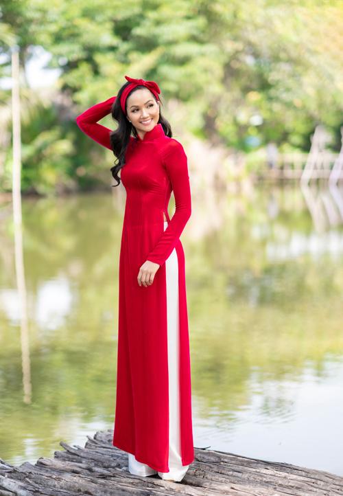 HHen Niê diện áo dài Thuận Việt - 7