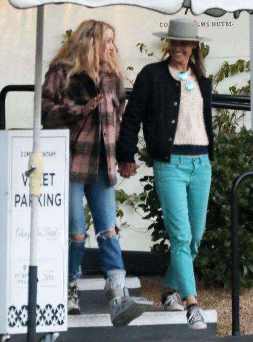 Đây là lần đầu tiên Bianca và Amber Heard công khai xuất hiện cùng nhau. Họ trải qua kỳ nghỉ cuối tuần tại thị trấn nghỉ dưỡng nổi tiếng ở California.
