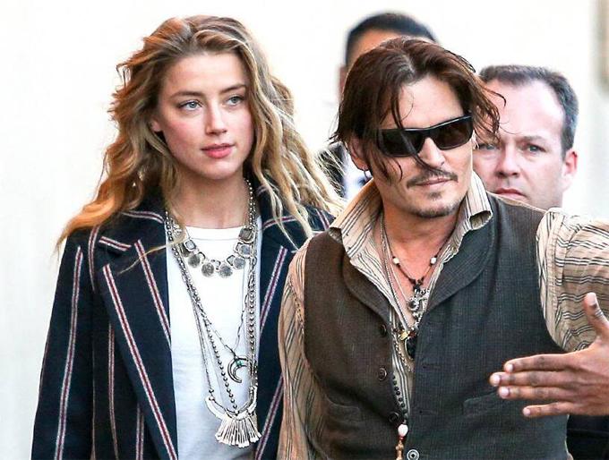 Năm 2012, Amber hẹn hò tài tử Johnny Depp. Cặp sao kết hôn năm 2015 và ly hôn vào giữa năm 2016.