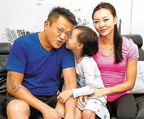 Gia đình Ngụy Tuấn Kiệt khi còn hạnh phúc.