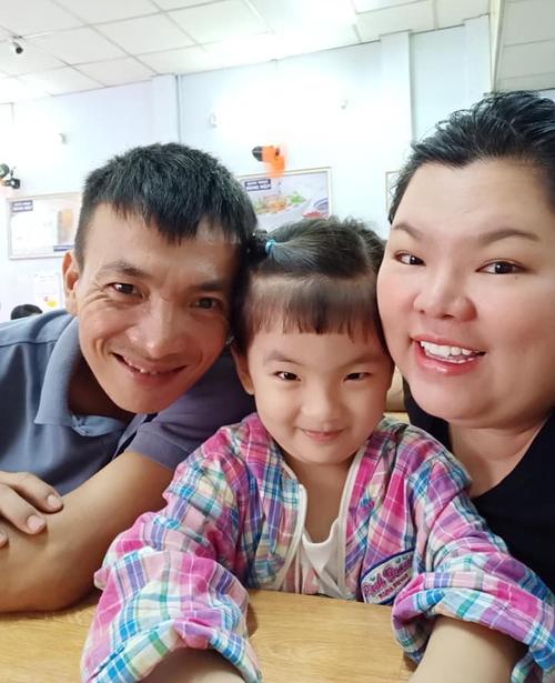 Tuyền Mập và ông xã Hiếu Nghĩa kết hôn được 5 năm. Trái ngọt trong cuộc hôn nhân của họlà bé Mỹ Tiên (tên ở nhà là Kitty). Nhóc tỳ hiện 3,5 tuổi, đang đi học mẫu giáo.