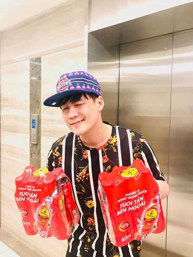 Mới đây, Khánh Phương còn mượn trà tỏ tình trên Facebook cá nhân. Đối với Khánh Phương, sức khỏe là điều quan trọng nhất nên các món quà năm mới phải tốt cho sức khỏe.