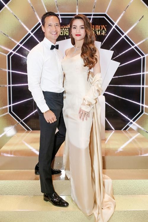 Hồ Ngọc Hà được Kim Lý tháp từng đến Ngôi sao của năm làm giám khảo. Cùng với chuyên gia trang điểm Nam Trung, nữ ca sĩ trao giải Ngôi sao phong cách cho Khánh Linh.