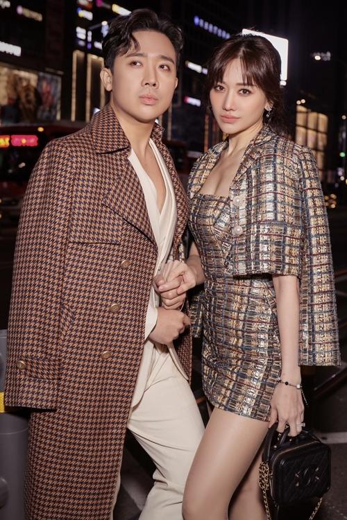 Trấn Thành và Hari Won tình tứ trong bộ ảnh mới.