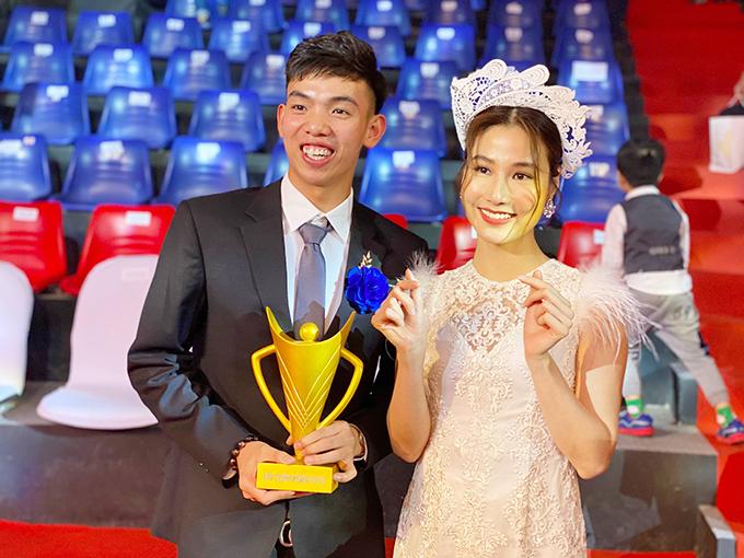 Tôi thực sự đã có một buổi tối quá nhiều cảm xúc với những tuyển thủ trẻ. Hy vọng năm tới, các tuyển thủ quốc gia Việt Nam sẽ có thật nhiều thành tích tốt và tôi sẽ luôn luôn cổ vũ, ủng hộ các bạn hết mình, Diễm My nói.