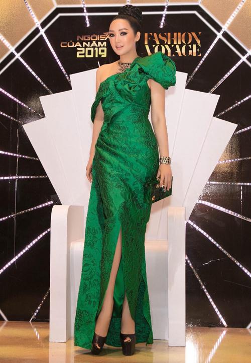 Hoa hậu đền Hùng Giáng My quyến rũ với thiết kế của Vũ Ngọc và Son.
