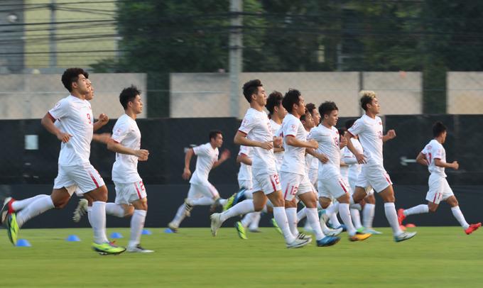 Bước vào vòng chung kêt U23 châu Á, Việt Nam được truyền thông khu vực chú ý sau khi bất ngờ giành ngôi Á quân năm 2018. Sau hai lượt trận, đội bóng của thầy Park chưa đạt được kỳ vọng khi chỉ có hai trận hòa và đứng trước nguy cơ dừng bước tại vòng bảng.
