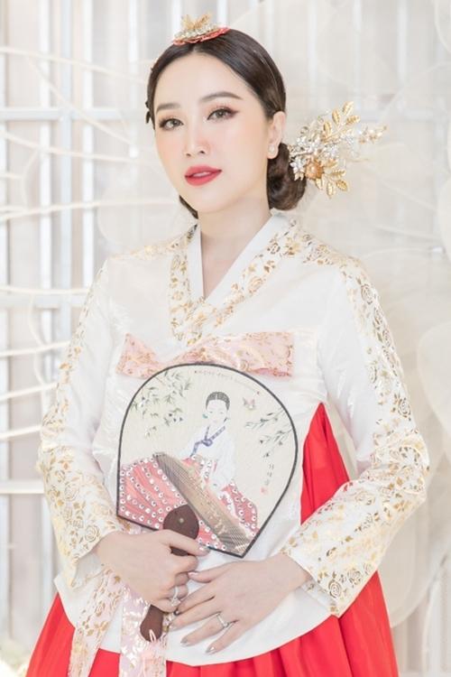 Bảo Thy khoe vẻ đẹp ngọt ngào khi diện Hanbok trong một sự kiện ngày 15/01.