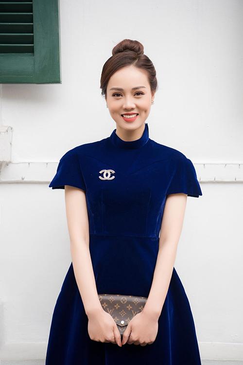 Ngọc Hà sinh năm 1988, kém NSND Công Lý 15 tuổi. Cô hiện là phóng viên mảng giải trí - văn hóa của một tờ báo ở Hà Nội.