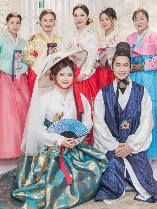 Bảo Thy cùng các khách mời đồng loạt diện hanbok.