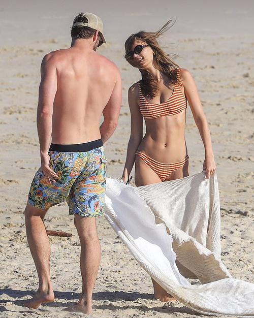 Người đẹp từng tham gia nhiều chiến dịch quảng cáo cho các thương hiệu thời trang lớn như Topshop và Calvin Klein.