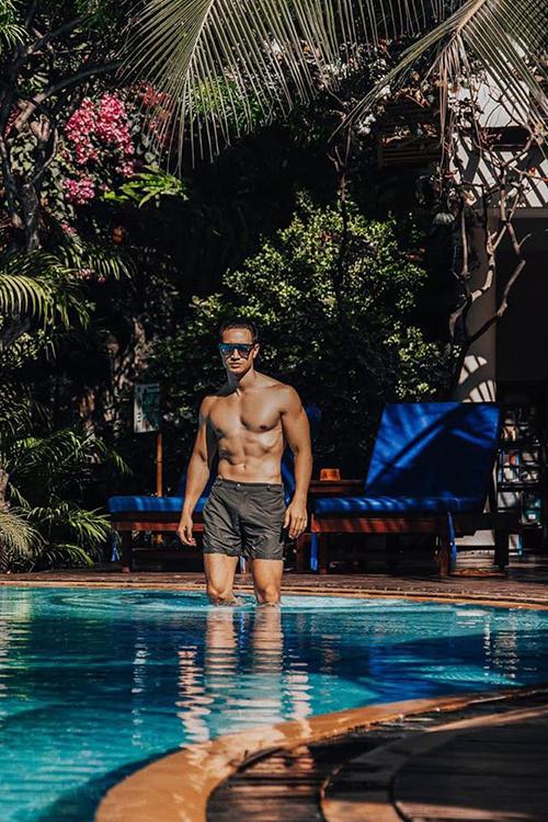 Kim Lý khoe body săn chắc, đầy nam tính trong chuyến du lịch nghỉ dưỡng tại một resort nổi tiếng ở Phan Thiết, Bình Thuận.