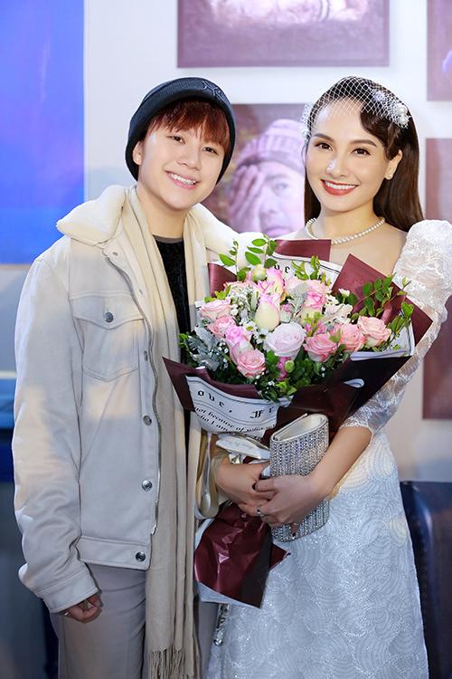 Sau khi tham gia Về nhà đi con, Bảo Thanh và Bảo Hân trở nên thân thiết. Nữ diễn viên sinh năm 2000 cho biết, cô được đàn chị chỉ bảo nhiều về diễn xuất trong suốt quá trình làm việc chung.