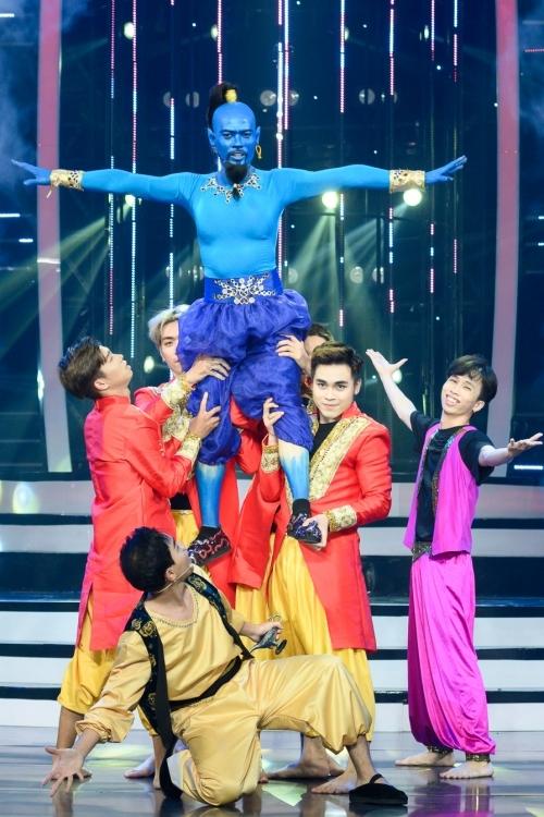 Trong đêm thi cuối, thí sinh Võ Tấn Phát quyết định hóa thân thành thần Đèn (do Will Smith đóng)trong bộ phim Aladinphiên bản năm 2019. Tiết mục của anh được đánh giá cao về hoá trang, hiệu ứng sân khấu.