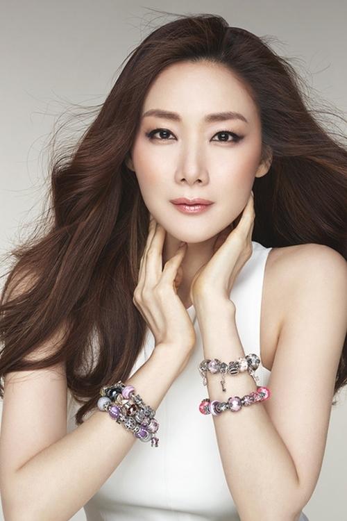 Diễn viên Choi Ji Woo.