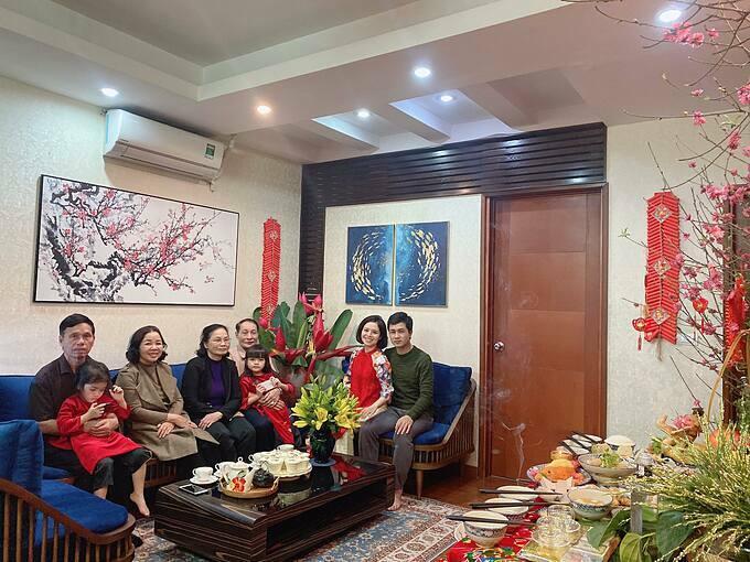 Đại gia đình chị Nhung sum họp trong những ngày Tết đến xuân về.