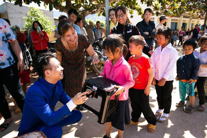 Ông Phạm Trần Minh Nhật và chuyến đi từ thiện tại Đắk Lắk.