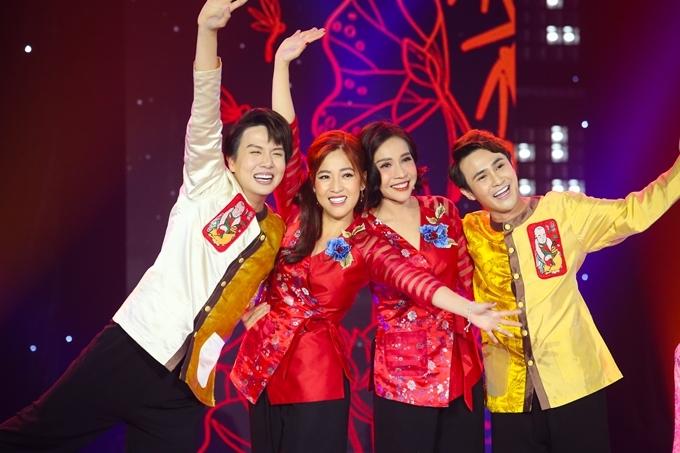 Huỳnh Lập, Khả Như, Duy Khánh, Puka diện trang phục bà ba của nhà thiết kế Thiên Trang.