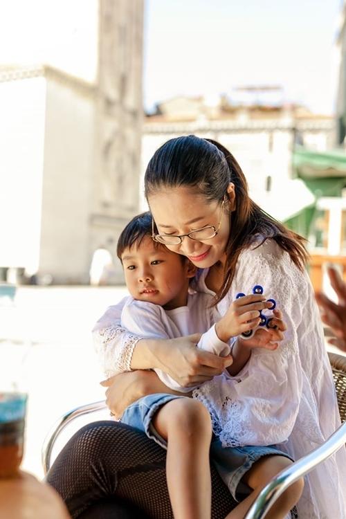 Dương Thùy Linh muốn dành thời gian bên gia đình sau một năm bận rộn.