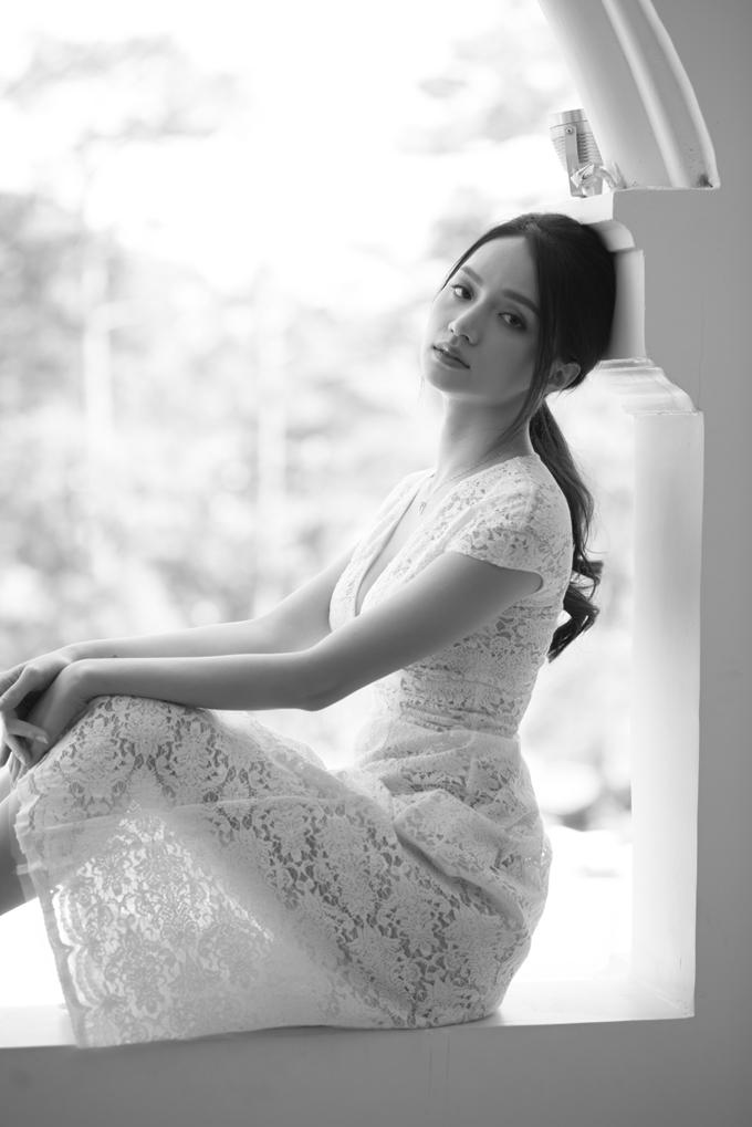 2019 là một năm thành công với Hương Giang khi series MV Adodda của cô nhận được sự hưởng ứng của khán giả và đạt hàng chục triệu views trên Youtube. Trong năm mới, Hương Giang sẽ tiếp tục cho ra mắt những sản phẩm âm nhạc mới, chất lượng.
