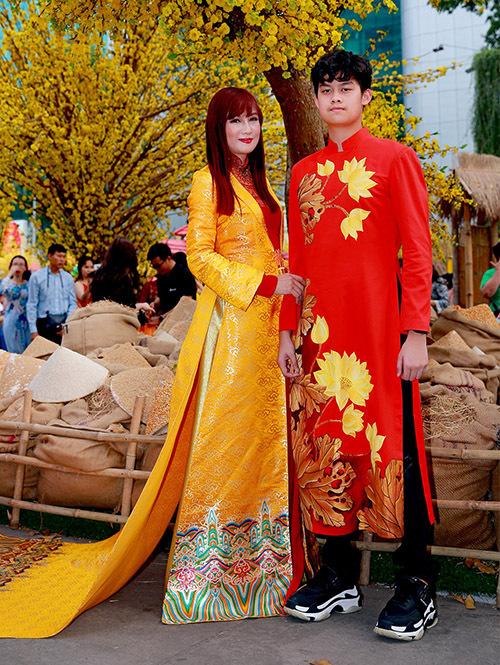 Hiền Mai cho biết con trai cô đang kỳ vọng sẽ cao vượt 1,8 m và được thử sức với nghề người mẫu khi đủ 18 tuổi.