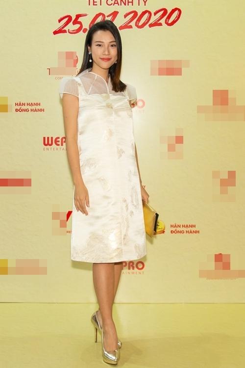 MC - á hậu Hoàng Oanh đang mang thai con đầu lòng với ông xã người Mỹ.