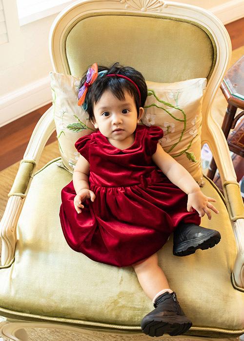 Bé My My 8 tháng tuổi rất xinh xắn, đáng yêu.