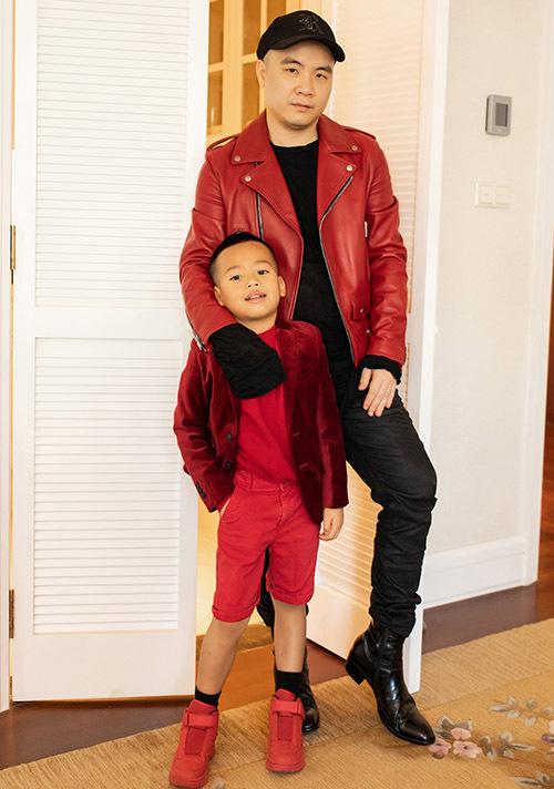 Bé Tít thường khiến Đỗ Mạnh Cường bất ngờ vì những câu nói tình cảm, ngọt ngào của con trai dành cho bố.