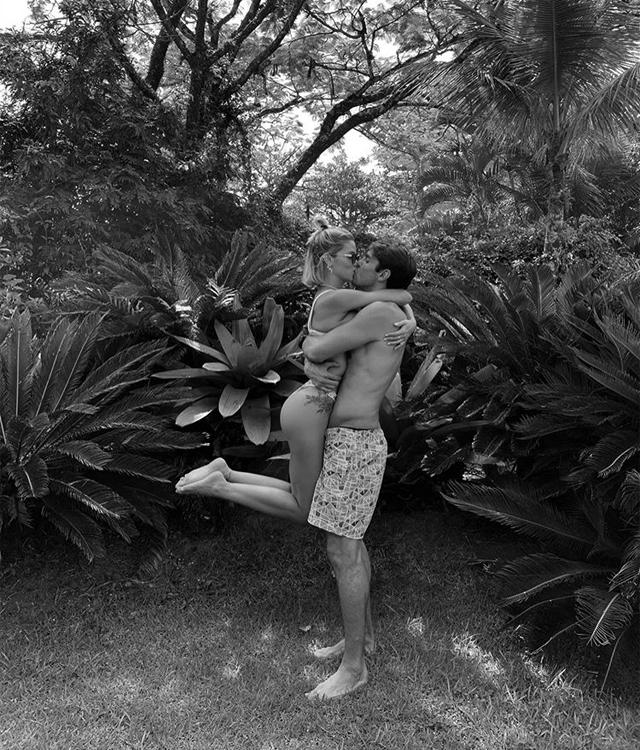 Những khoảnh khắc tình bể tình của vợ chồng Kaka - 5