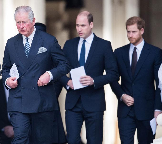 Mối quan hệ của ông Charles với William được cho là đã cải thiện nhờ sự giúp đỡ của nhà Harry - Meghan. Ảnh: People.