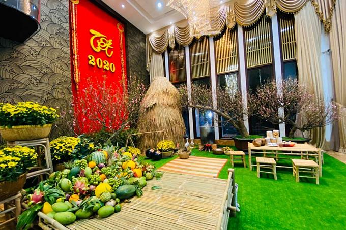 Ngôi nhà của ông hoàng nhạc Việt tựa bức tranh làng quê với ụ rơm, đôi quang gánh...