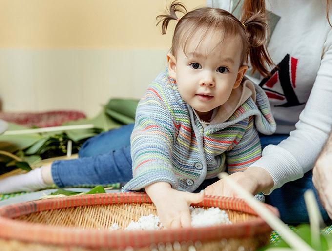 Lan Phương dự định mỗi năm sẽ cho bé Lina về quê đón Tết Nguyên đán cùng họ hàng bên ngoại để học hỏi truyền thống quê mẹ.