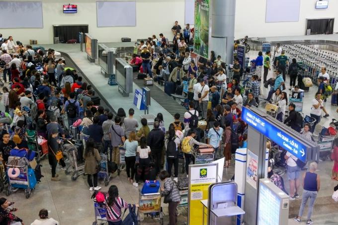 Tạm dừng các chuyến bay đến và đi Vũ Hán