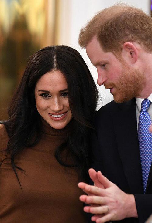 Đồ lưu niệm đám cưới của Harry - Meghan bị loại khỏi bộ sưu tập hoàng gia - 3