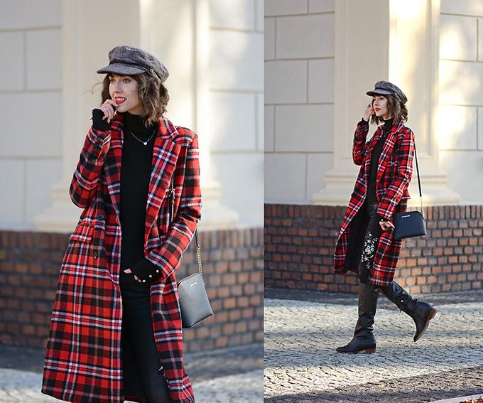 Với những khu vực có thời tiết giá lạnh, áo choàng dáng dài kẻ ô bản lớn không chỉ giữ ấm mà còn bổ sung sự nổi bật cho tổng thể.