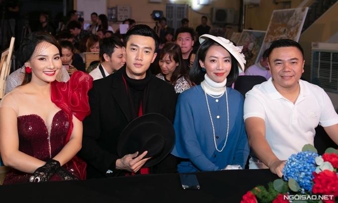 Từ trái sang: Bảo Thanh, Quốc Trường, Thu Trang và đạo diễn Nhất Trung tại họp báo phim Đôi mắt âm dương.