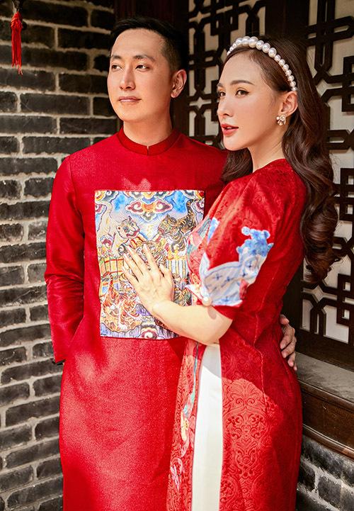 Hot girl thế hệ đầu tiên vẫn giữ được nhan sắc trẻ trung sau nhiều năm gia nhập showbiz Việt.