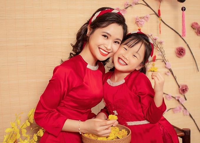 Luôn đặt niềm tin vào con là bí quyết để Mùi Khánh Ly dạy con thành công.