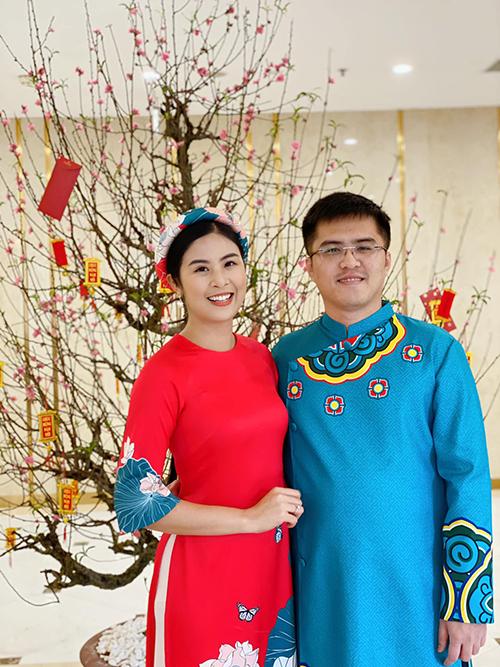 Hoa hậu Ngọc Hân và bạn trai trong ngày đầu năm mới Canh Tý.