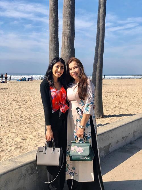 Jacqueline, em gái của Jennifer Phạm cũng rất gần gũi và thân thiết Bảo Nam.
