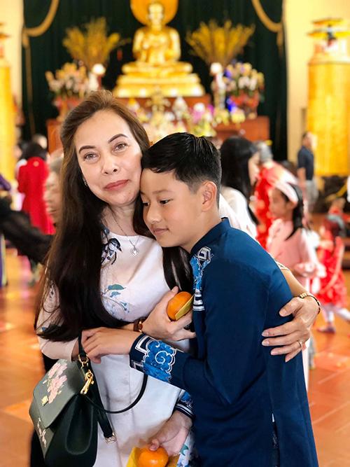 Được bà ngoại chăm sóc từ nhỏ nên Bảo Nam rất quấn quýt bà.Từ ngày chuyển về Việt Nam sống cùng mẹ và bố dượng, Bảo Nam thường sang Mỹ để được gần gũi với bà mỗi khi được nghỉ học. Năm nay, cậu bé sang Mỹ từ ngày được nghỉ đông, trước khi Jennifer Phạm sinh em bé thứ tư.