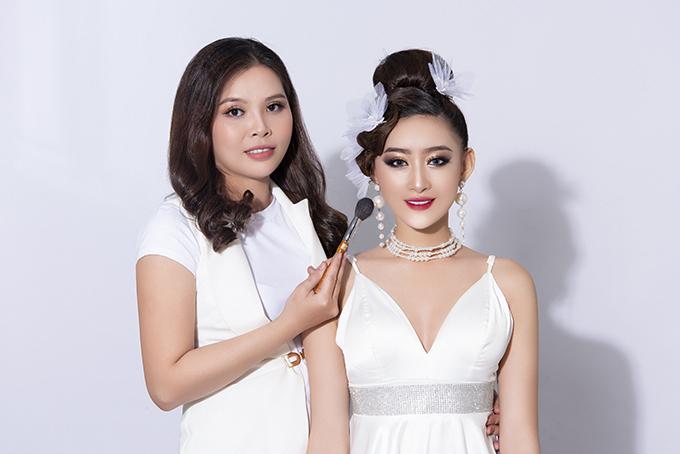 Bộ ảnh được thực hiện bởi makeup: Hậu Nguyễn, người mẫu: Lê Thiên Bình, nhiếp ảnh: Fynz, làm tóc: Liên Hồ, stylist: Hùng Việt.