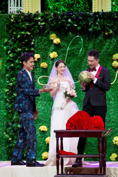 Hoàng Tử Ếch là bộ phim kể về chàng hoàng tử Đơn Quân Hạo (Minh Đạo), và nàng lọ lem Diệp Thiên Du (Trần Kiều Ân). Bộ phim từng tạo cơn sốt và gây tiếng vang mạnh mẽ trong làng giải trí châu Á, khi ra mắt năm 2005. Phim cũng giúp tên tuổi hai diễn viên Trần Kiều Ân và Minh Đạo trở nên nổi tiếng.