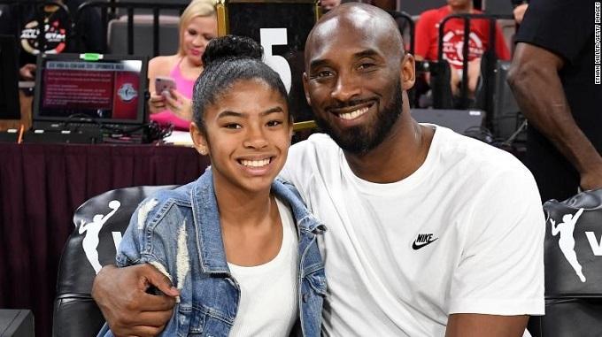 Gianni là con gái lớn thứ hai trong bốn người con của Bryant và vợ Vanessa. Cô bé 13 tuổi đang thi đấu trong đội bóng rổ có tên The Mamba, do bố cô làm HLV.