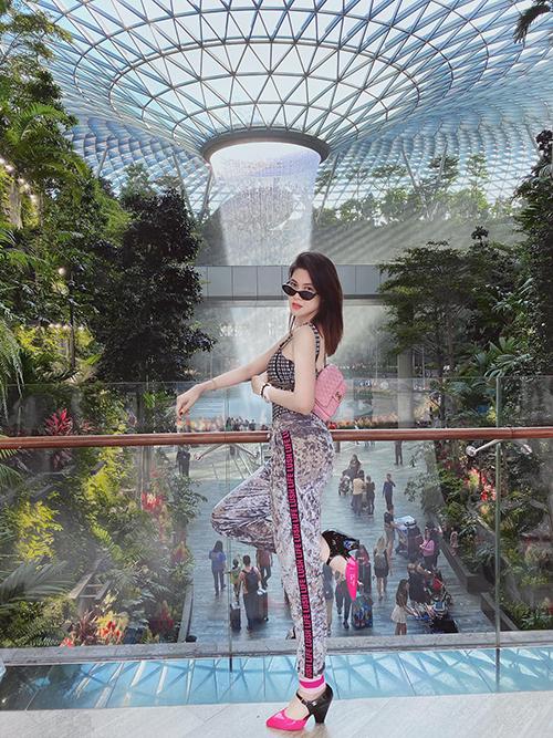 Du lịch đầu xuân là thói quen không thể thiếu của người Việt trẻ. Thu Hằng và các người đẹp Việt cũng lên kế hoạch chỉn chu để cùng bạn bè và gia đình có được những chuyến du xuân thú vị.