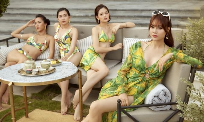 Khi ở bên các cô bạn thân hội chăn chuối, Ms.Q thường mặc sexy hơn.